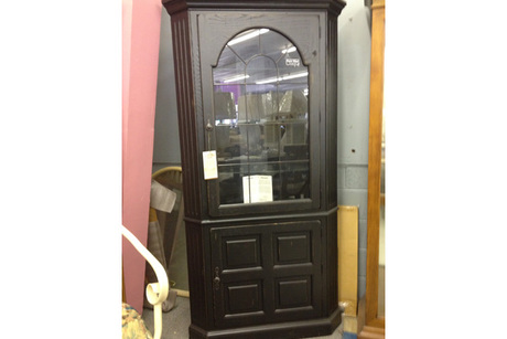 Superior Broyhill Attic Heirlooms Corner China Cabinet From Big Wallyu0027s.