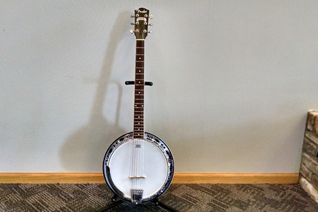 Fender Rustler Six String Banjo With Stand From Rondinelli Music