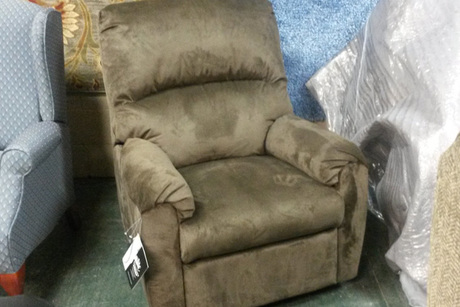 Ashley Farrin Rocker Recliner Swivel Chair From River City